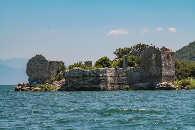 Grmozur-Festung, See Skadar, Montenegro, Europa lizenzfreie stockfotos