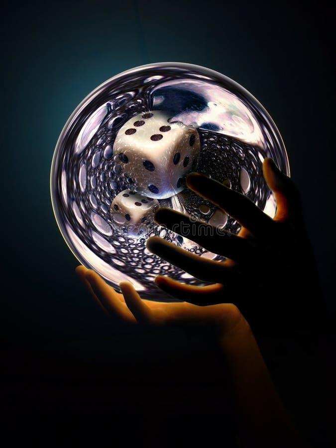 Groß-würfeln-in-crystalball lizenzfreies stockfoto