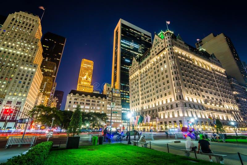 Großartige Armee-Piazza nachts, in Midtown Manhattan, New York City lizenzfreie stockbilder