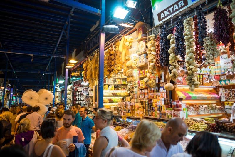 Großartiger Basar kauft in Istanbul stockbild