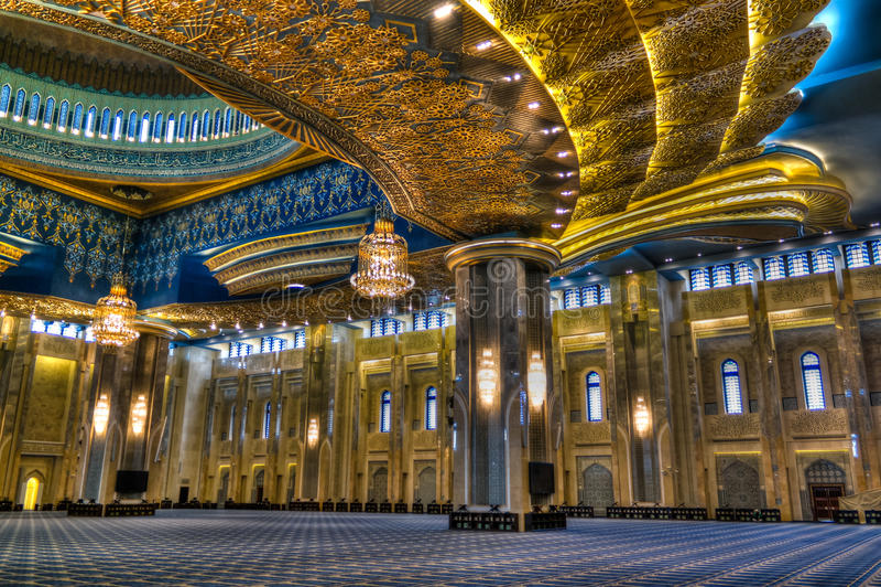 Großartiger Moscheeninnenraum Kuwaits, Kuwait-Stadt, Kuwait stockfotos
