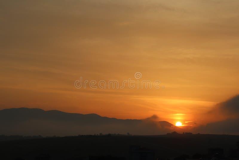Großartiger Sonnenuntergang von der Türkei lizenzfreies stockfoto
