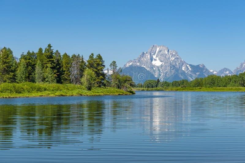 Großartiges Teton ragt Reflexion im Snake River empor lizenzfreie stockfotografie