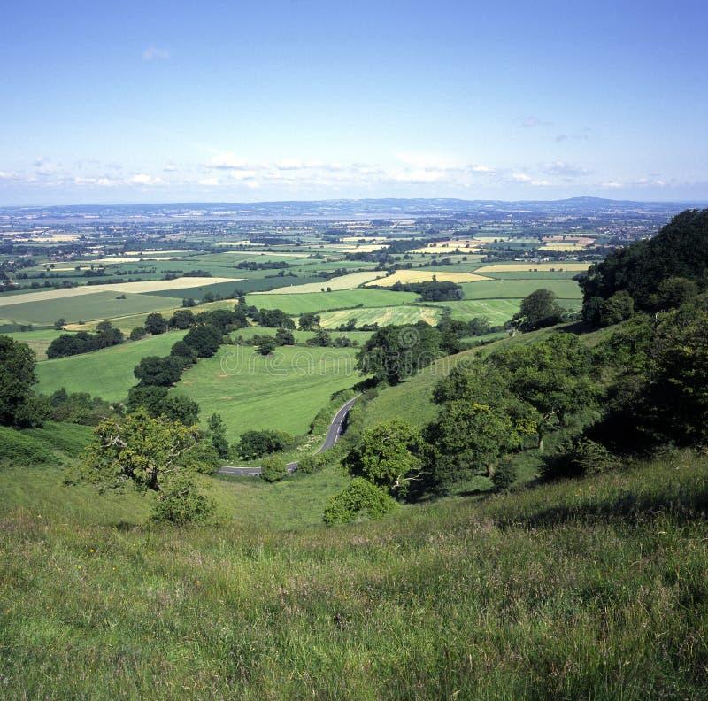 Großbritannien, Cotswolds, Nympsfield, Frocester-Hügel, Höchststandpunkt Coaley, Ansicht über Severn Vale lizenzfreie stockfotos