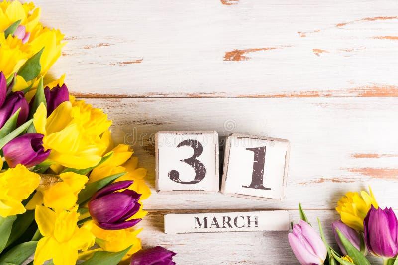 Großbritannien-Mutter-Datum am 31. März für das Jahr 2019, die Tulpen und NAR stockbild