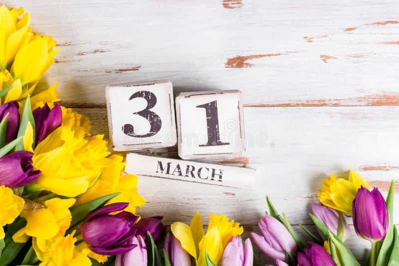 Großbritannien-Mutter-Datum am 31. März für das Jahr 2019, die Tulpen und NAR lizenzfreie stockbilder