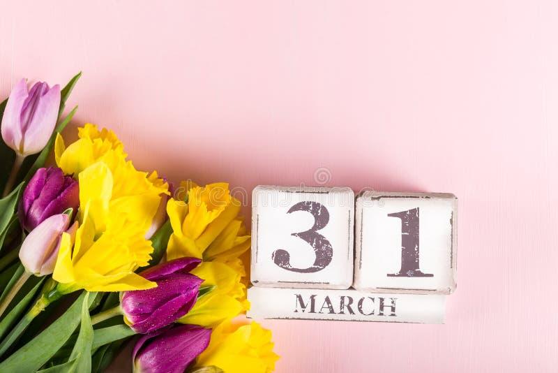 Großbritannien-Mutter-Datum am 31. März für das Jahr 2019, die Tulpen und NAR lizenzfreie stockfotografie