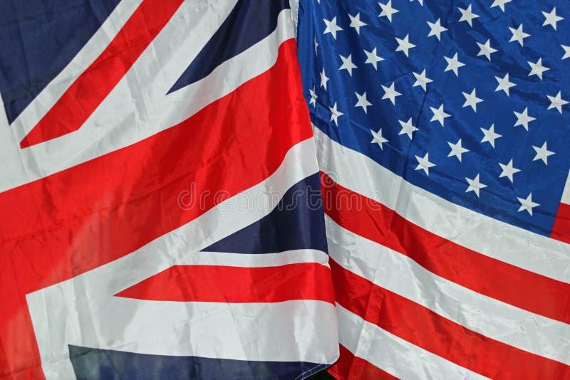 Großbritannien- und US-Flaggen lizenzfreie stockbilder