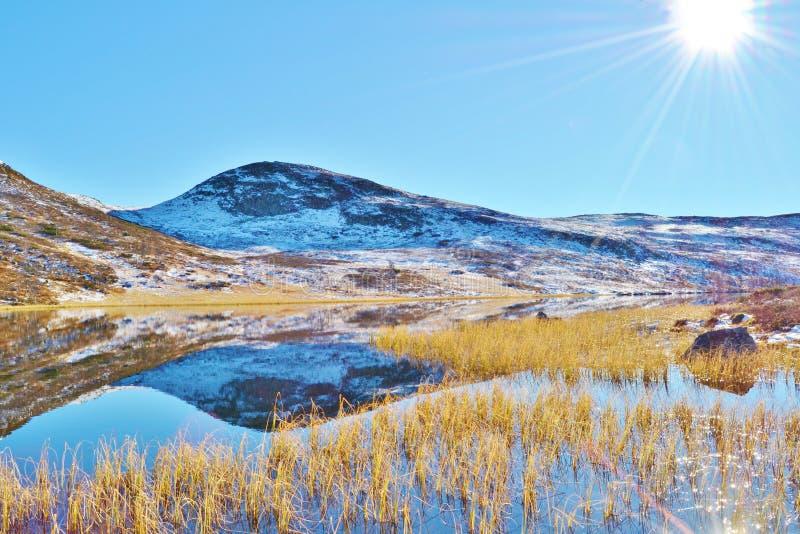 Große Berge lizenzfreie stockbilder