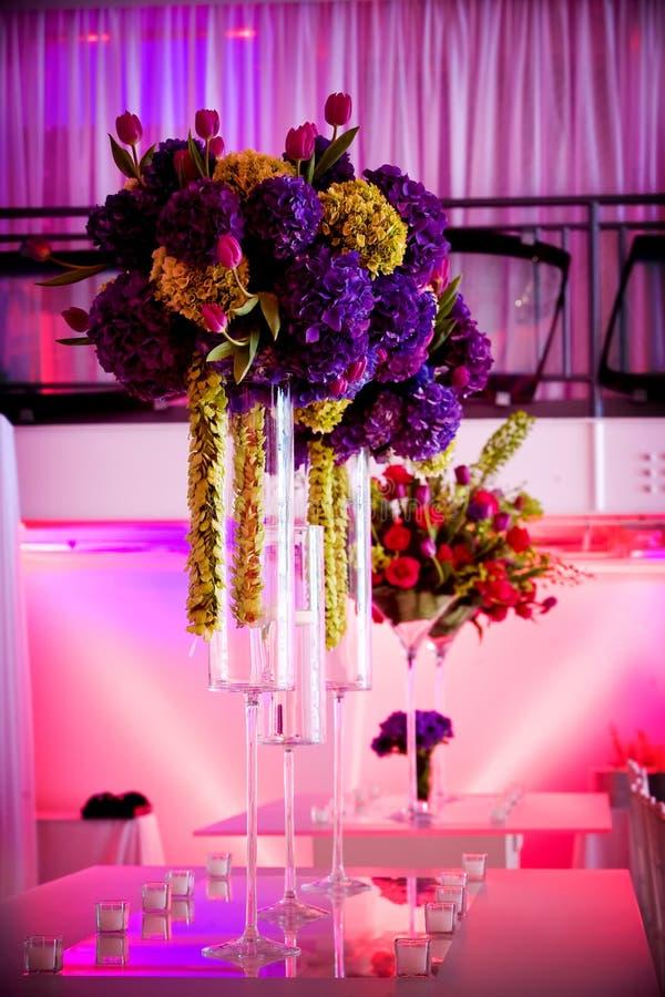 Große Blumenmittelstücke lizenzfreie stockfotografie