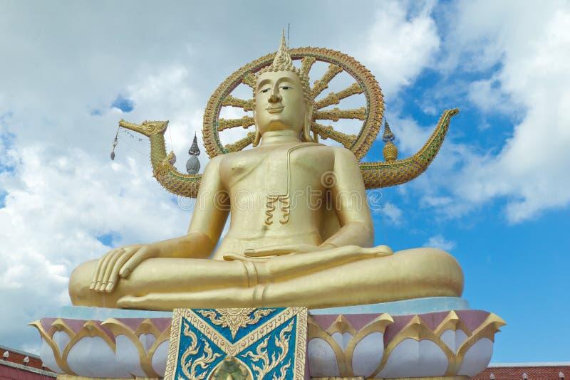 Große Buddha-Statue in Wat Phra Yai Temple, Koh Samui lizenzfreie stockbilder