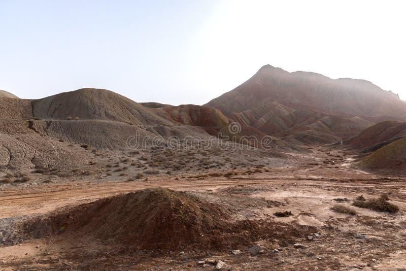 Große bunte Berge in China stockfotografie