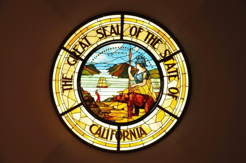 Große Dichtung des Staats Kalifornien im Buntglas stockfoto
