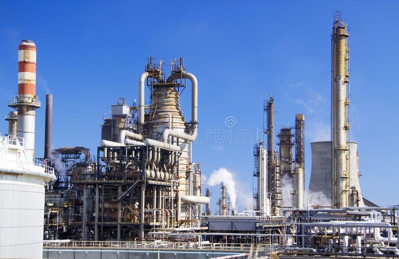 Große Erdölraffinerie in Italien lizenzfreies stockbild