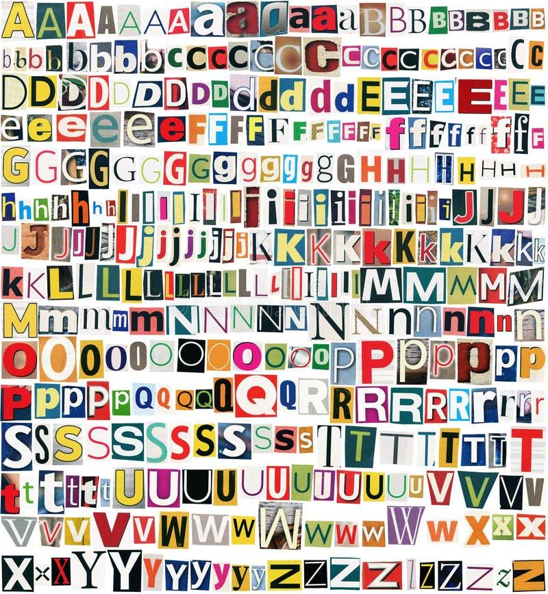 Große Größenzeitung, Zeitschriftenblechschrottalphabet stockbilder
