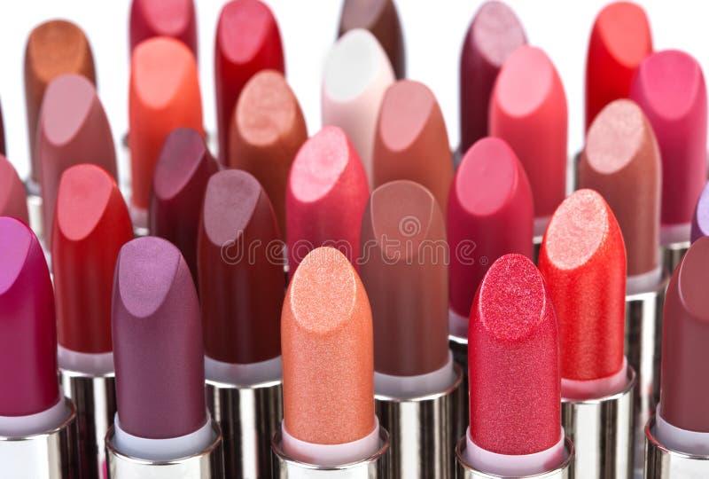 Große Gruppe Lippenstifte stockbild