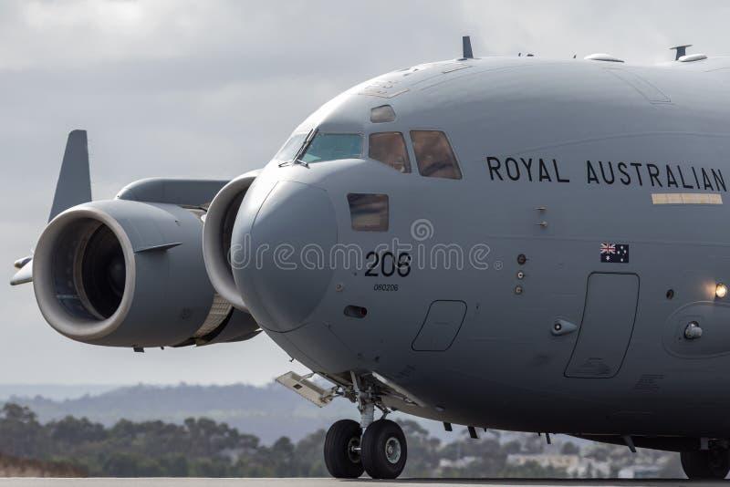 Große Militärfrachtflugzeuge A41-206 der königlicher Australier-Luftwaffe RAAF Boeing C-17A Globemaster III von Geschwader 36 lizenzfreie stockbilder