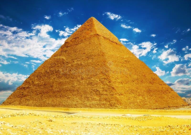 Große Pyramide gelegen in Giseh. stockbild