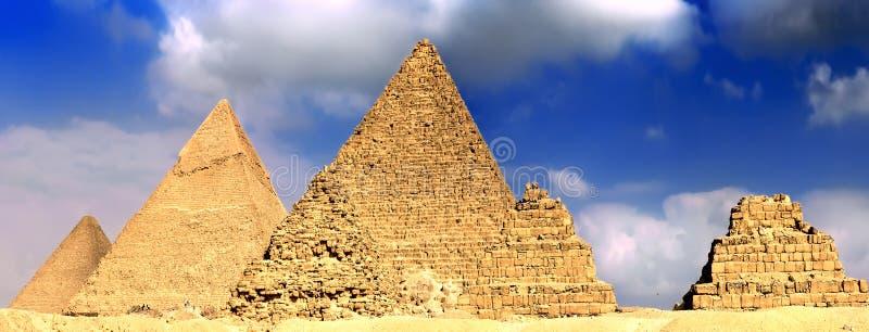 Große Pyramiden, gelegen in Giza. Panorama stockfotografie