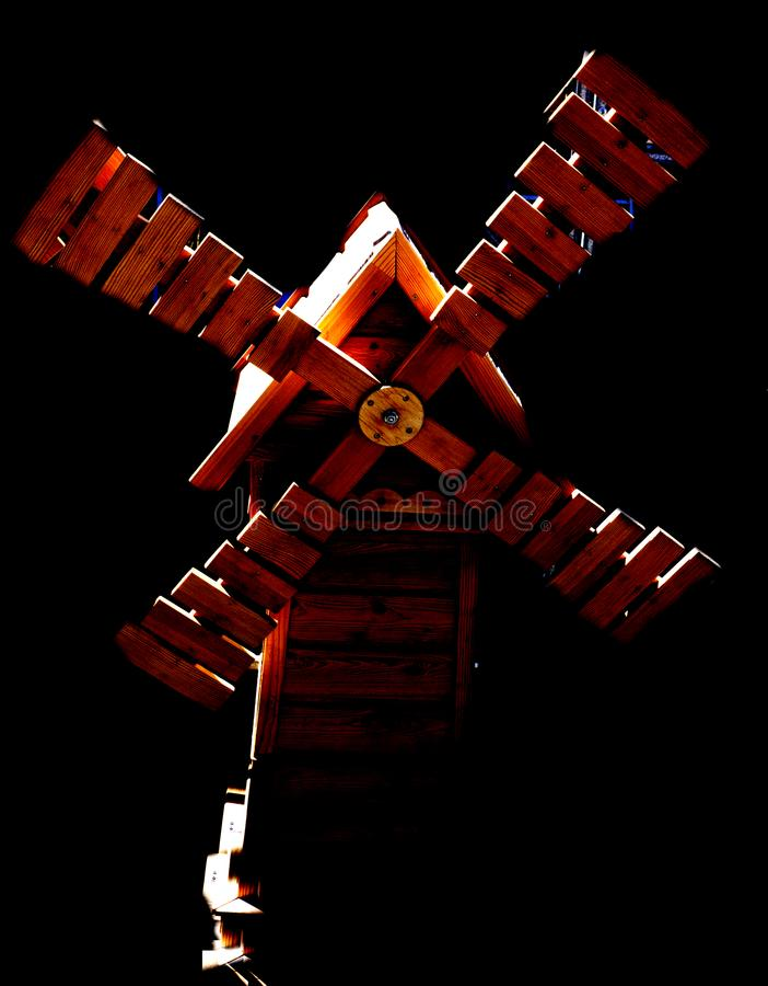 Große Retro- hölzerne geschlossene wilde Mühle stockbilder