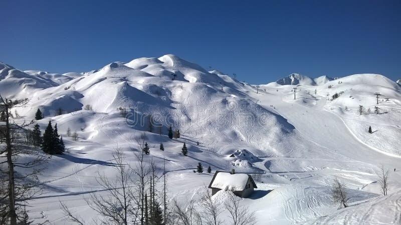 Große Schneeverhältnisse auf Vogel, Slowenien stockbild