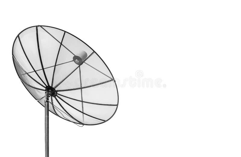 Große schwarze Satellitenschüssel lokalisiert auf weißem Hintergrund mit Kopie lizenzfreies stockfoto