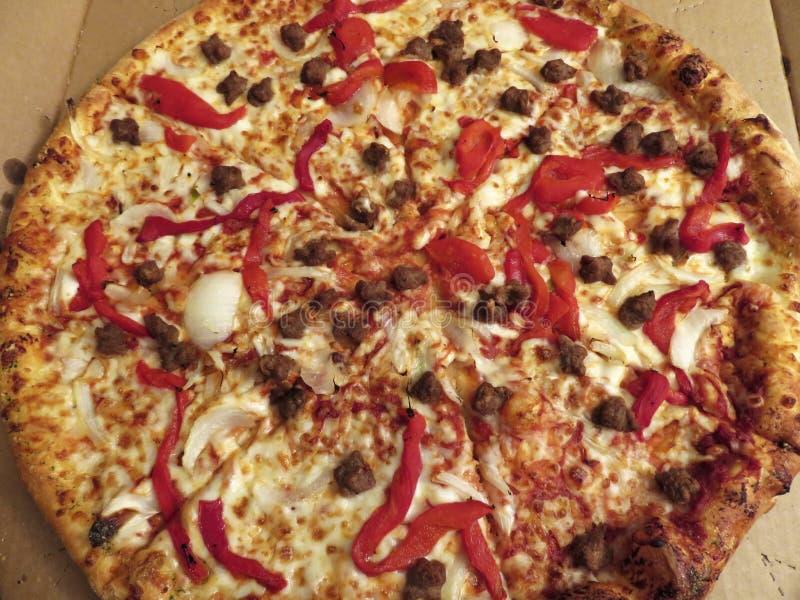 Große Takeaway-Pizza stockfoto