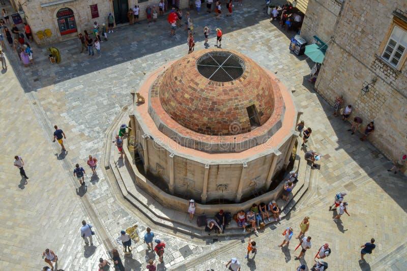 Großen Onofrios Brunnen in der alten Stadt Dubrovnik, Kroatien am 18. Juni 2019 stockfotos