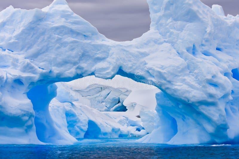 Großer antarktischer Eisberg stockbilder