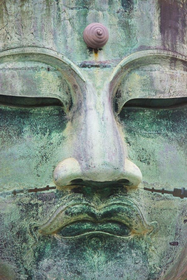 Großer Bronzebuddha in Kamakura stockfoto