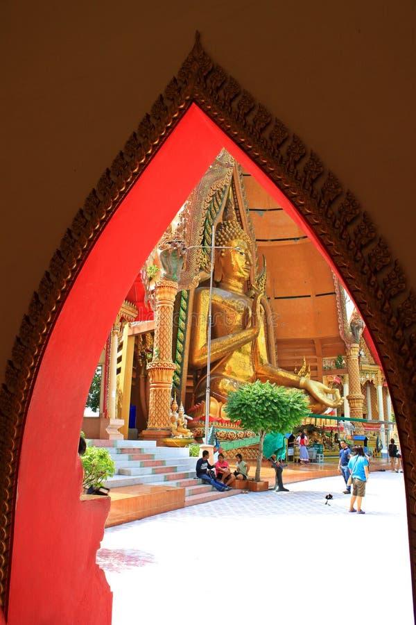 Großer Buddha bei Kanchanaburi, Thailand lizenzfreies stockbild