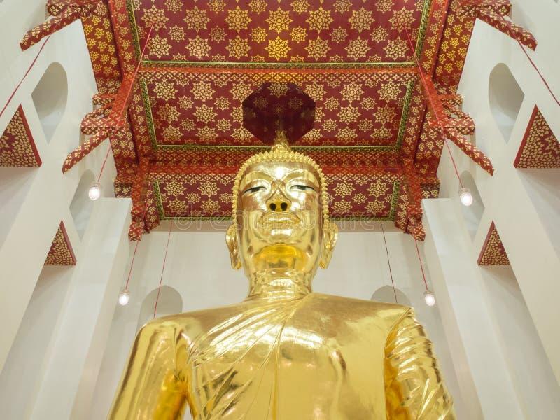 Großer Buddha in der buddhistischen Kirche stockbilder