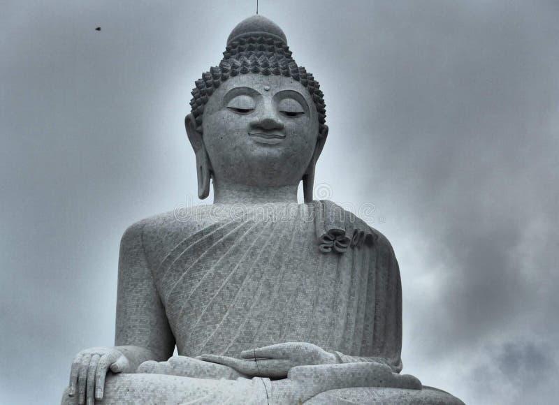 Großer Buddha im Grau stockfotos