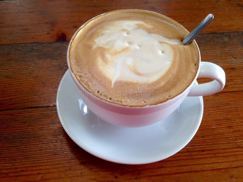 Großer Cappuccino stockfoto