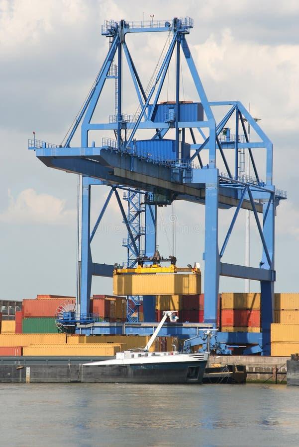 Großer Hafen-Kran lizenzfreies stockfoto