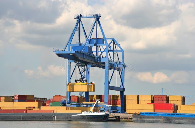 Großer Hafen-Kran stockfoto