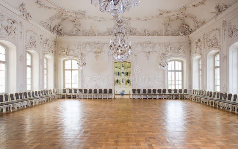 Großer Hall-Ballsaal im Rundale Palast stockbilder