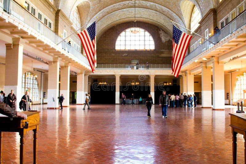 Großer Hall innerhalb der Verarbeitungsmitte auf Ellis Island lizenzfreies stockfoto