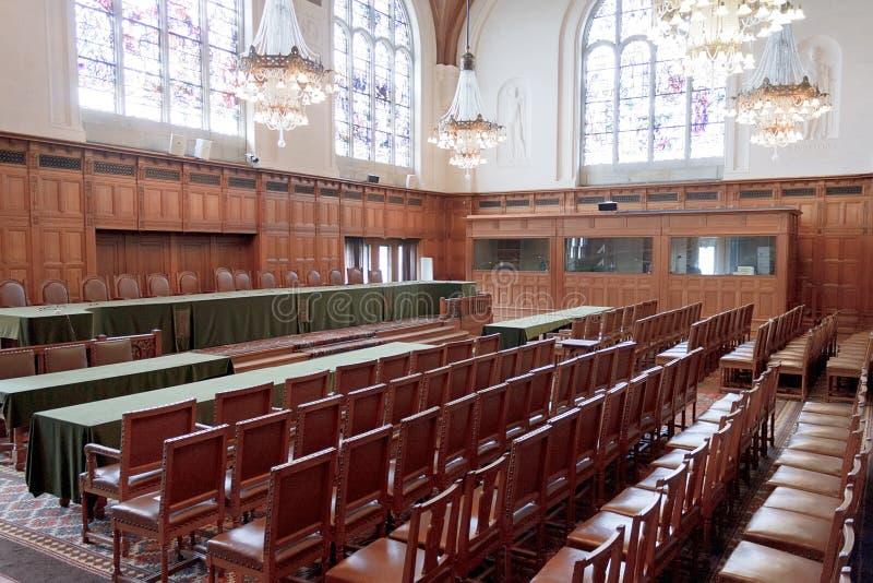 Großer Hall von Gerechtigkeit - ICJ Gerichts-Raum stockbild