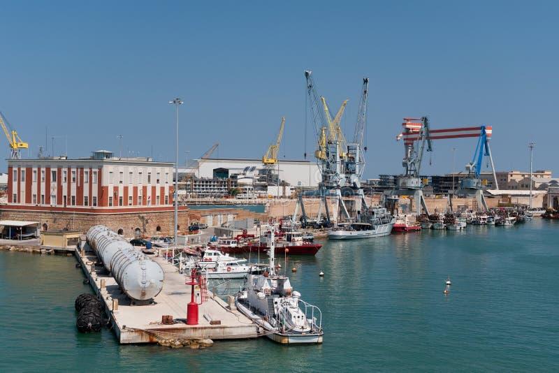 Großer industrieller Hafen lizenzfreie stockbilder