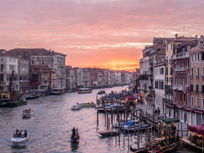Großer Kanal, Venedig bei Sonnenuntergang stockfotos