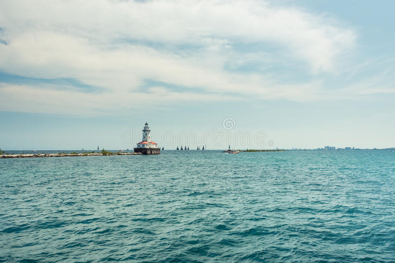 Großer Leuchtturm auf einem Michigan See lizenzfreie stockfotografie