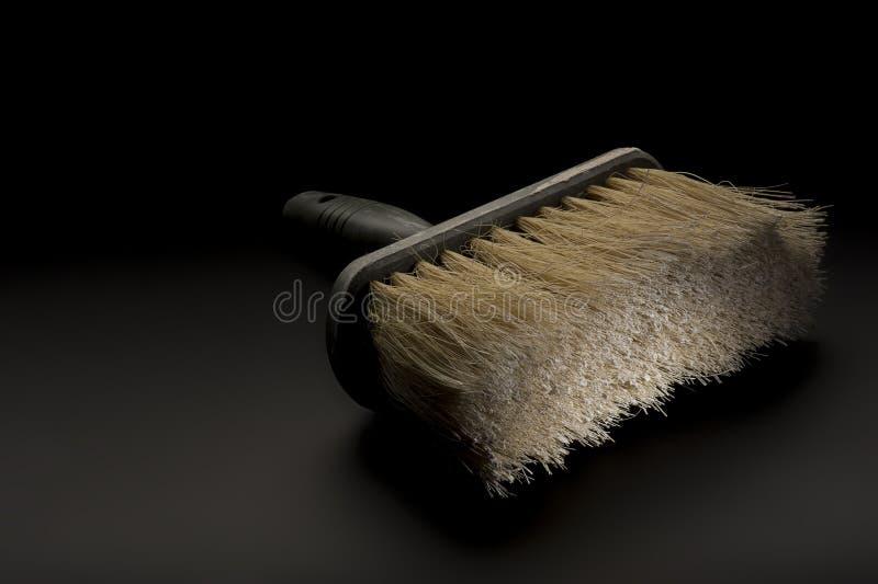 Großer Malerpinsel oder tapezierende Bürste stockfotografie
