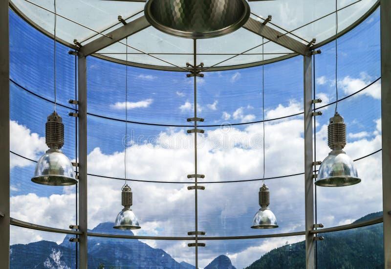 Großer Platz der Glaswand öffentlich stockfotos