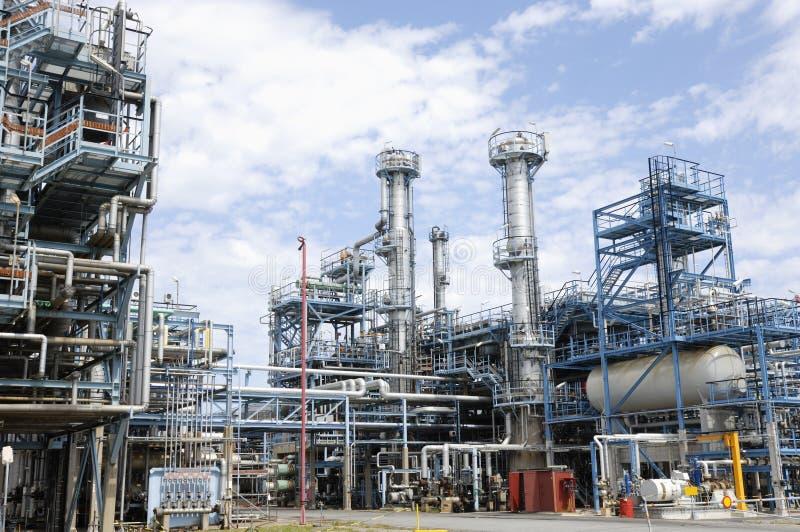 Großer Raffinerieinnenraum lizenzfreie stockbilder