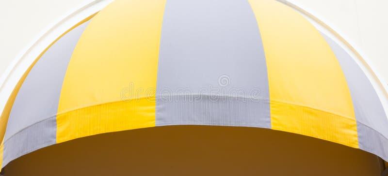 Großer Regenschirm lizenzfreies stockfoto