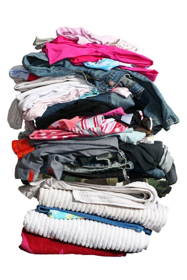 Großer Stapel der Wäscherei mit Pfad lizenzfreie stockbilder