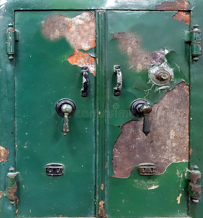 Großer Vintage Safe stockfotos
