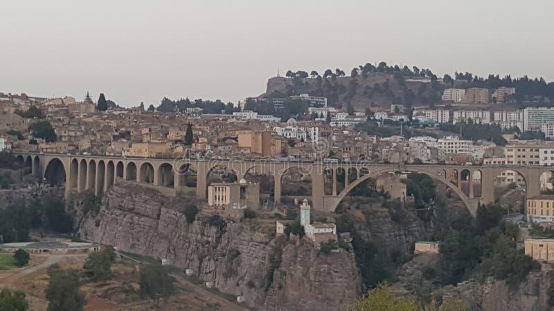 Großes altes Brücke Constantines stecture lizenzfreie stockfotos
