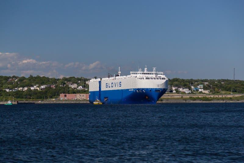 Großes Containerschiff in Dartmouth lizenzfreie stockfotografie